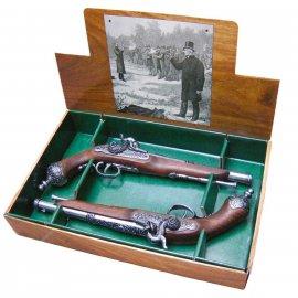 Repliki dekoracyjne Denix włoskich pistoletów pojedynkowych